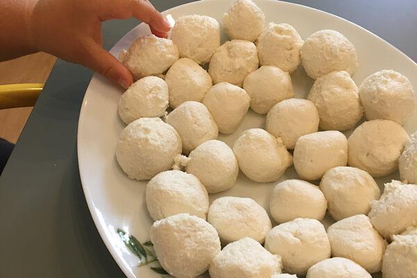 豆腐とだんご粉のお月見だんご作り方
