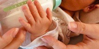 赤ちゃんの授乳と卒乳