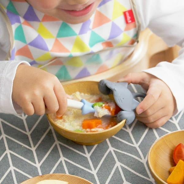 【上手にすくえる ぱくぱくスプーン&キャッチャー ネコ】マーナ(MARNA) 食器洗い乾燥機・電子レンジOK mb K716